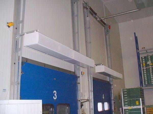 rideau d 39 air chaud industriel encastrable et vertical electrique installation et prix. Black Bedroom Furniture Sets. Home Design Ideas